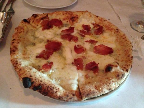 pizza zola e speck pasquale