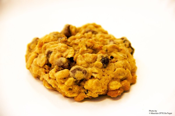 Kim's Oats-Raisins-Chocolate Cookies