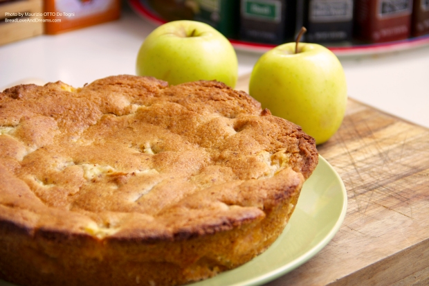 Torta Meneghina Di Mele (Traditional MIlanese Apple Cake)