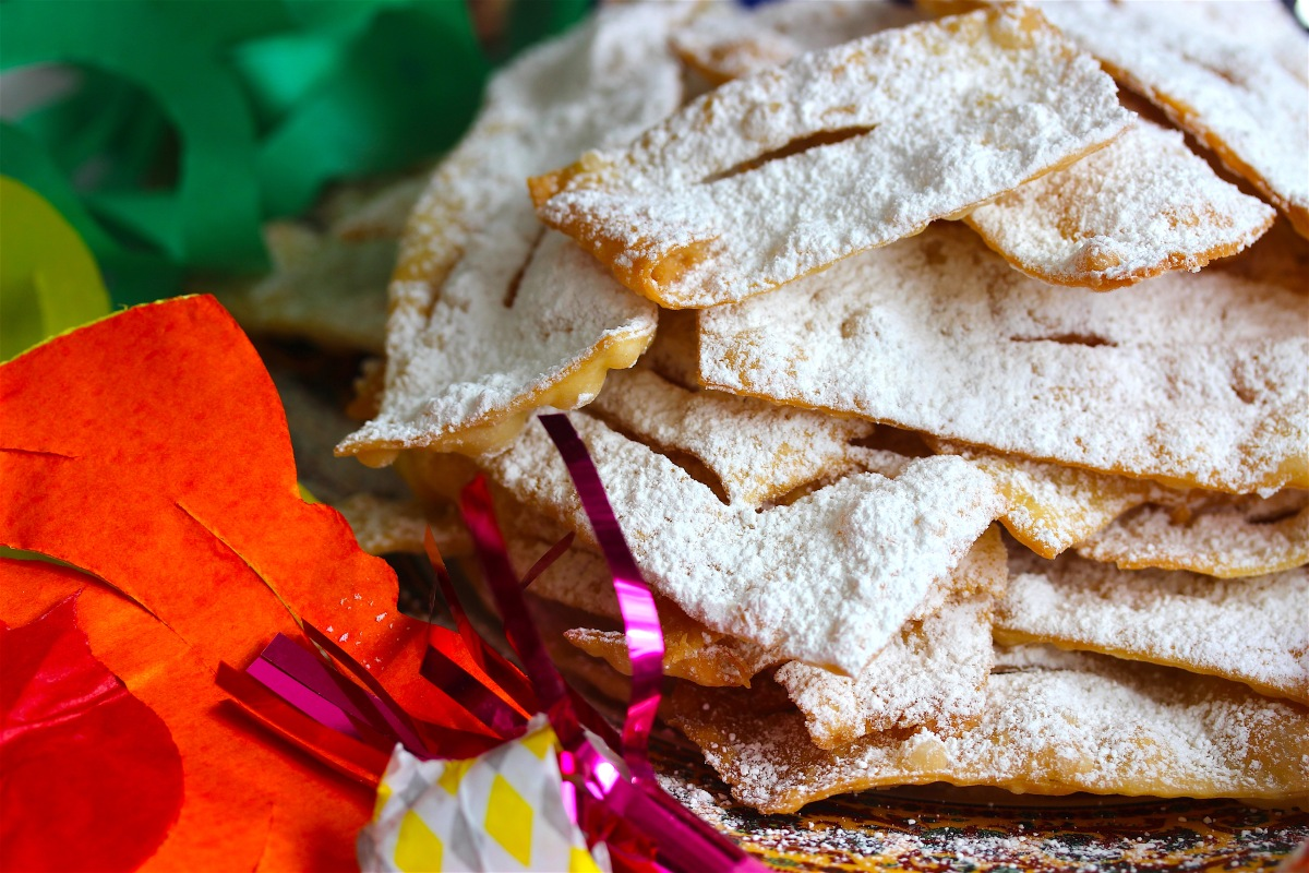 Chiacchiere (Carnival Fried Pastries)