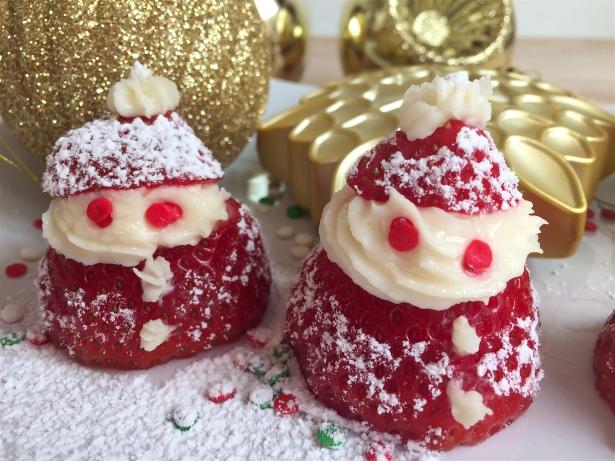 santa-strawberry