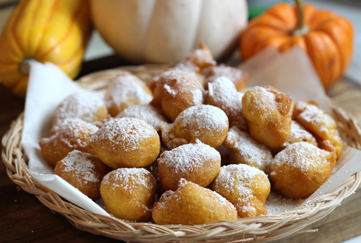 How To Make Frittelle Di Zucca (Pumpkin Fritters)